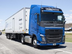 How Samsung Safety Truck will save Drivers Overtaking A Truck (3)