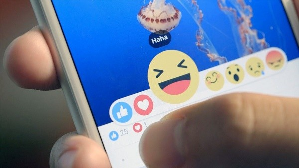 How to use Facebook Reactions as Emojis add emotions to conversations 1